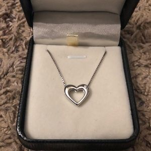 Jewelry - Heart necklace with diamond
